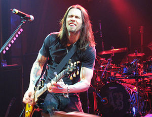 English: Myles Kennedy of Alter Bridge perform...