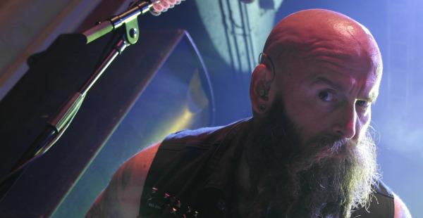 """Five Finger Death Punch / Papa Roach announce """"demand"""" campaign"""