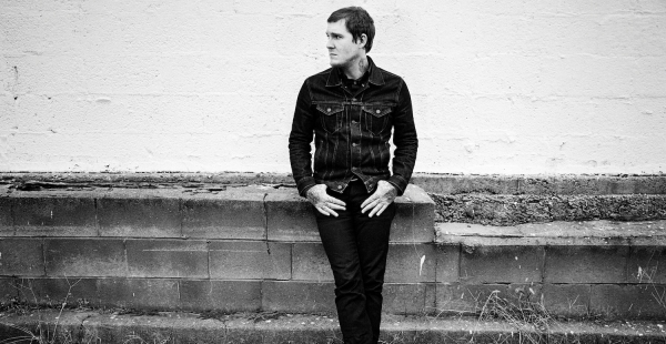 "Brian Fallon unveils new track ""Smoke"" from forthcoming debut album"