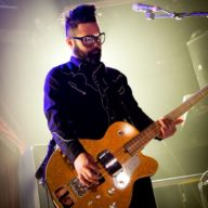 feeder-dublin-2016-bassist