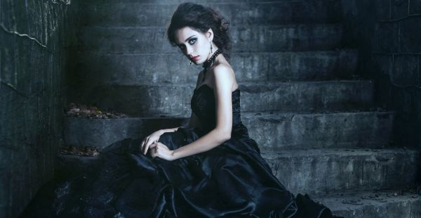 A Goth's Guide to Dark Fashion