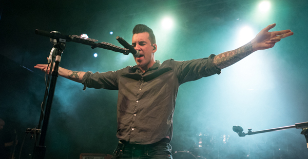 Gig Review: Theory (of a Deadman) / Toseland – O2 Academy 2, Manchester (26th April 2018)