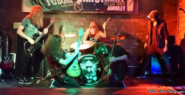 Gig Review: Fahran / Savage Outlaw / Fear Me December – Sanctuary Rock Bar, Burnley (16th November 2018)
