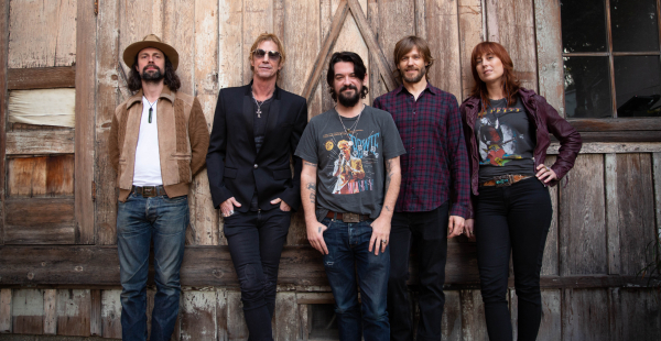 "Duff McKagan releases ""Don't Look Behind You"", announces European tour"