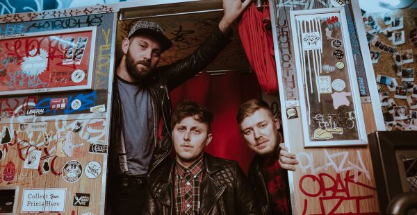 Band of the Day: The Outlines