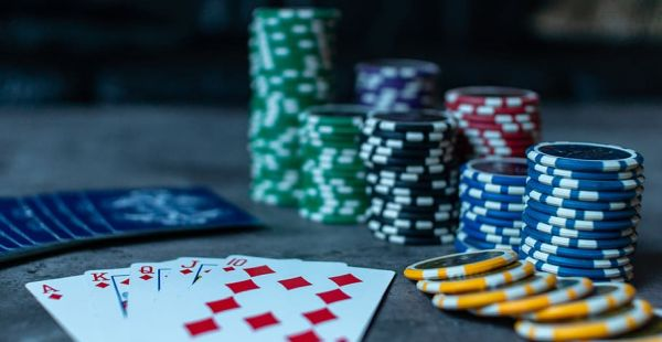 Top 3 Rock Stars that went Big in the World of Online Gambling