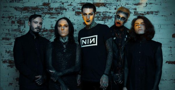 Classic Covers: Motionless in White – Somebody Told Me