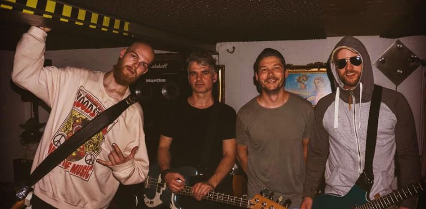 Album Review: Reverse – Deadlocked