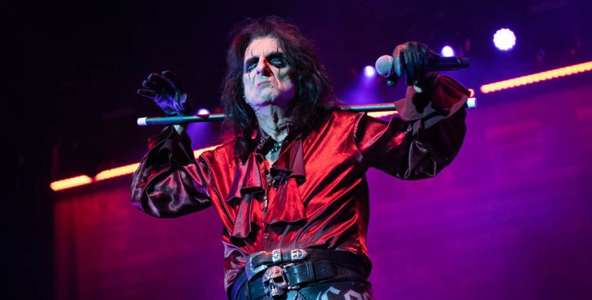 Happy birthday dear Alice Cooper… and a present for his fans – a free single!