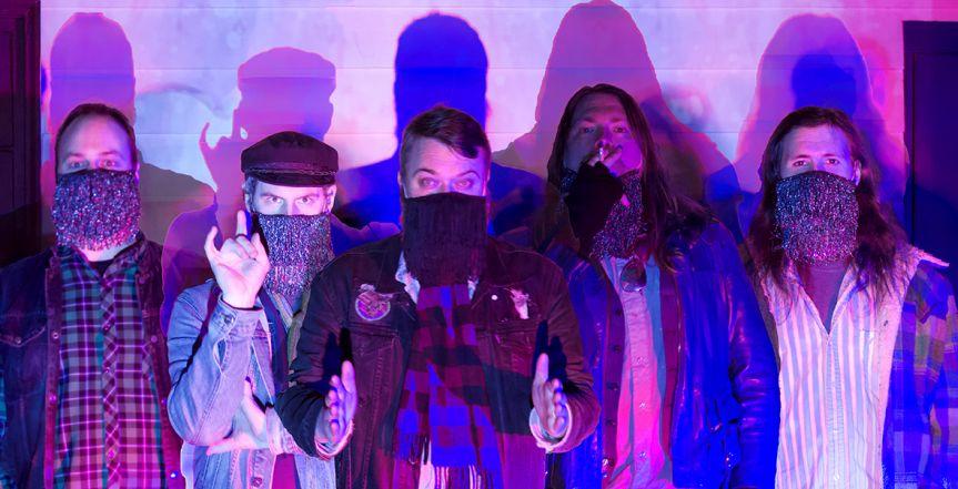 """Video Premiere: Dust Mice release """"Choom Wagon"""""""