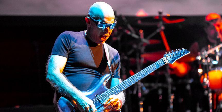 Joe Satriani shifts UK tour to May 2022