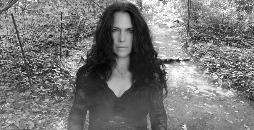 """Classic Cover: Sari Schorr – """"Where Did You Sleep Last Night?"""" (original by Lead Belly)"""