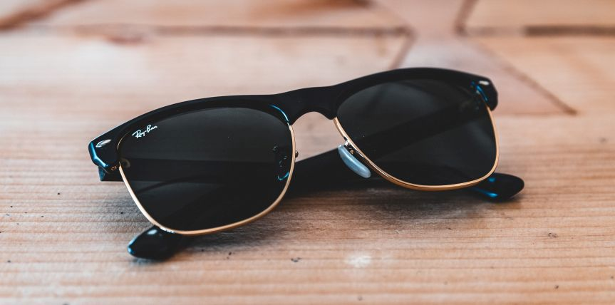 Some tips for choosing the right sunglasses for children and babies